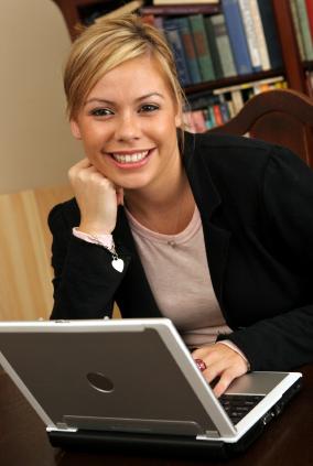 library_computer_girl_istock_000001292253xsmall2